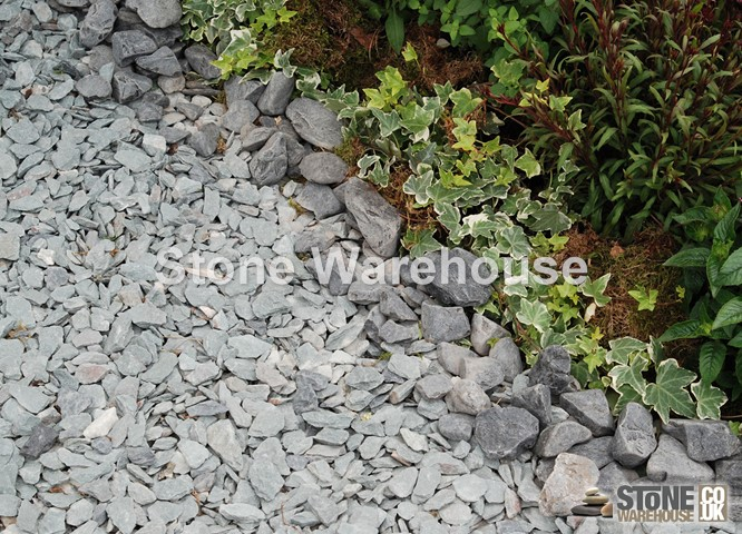 Charcoal Slate Chippings 20mm